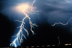 lightning-strike[1]