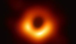 اولین عکس از یک سیاهچاله